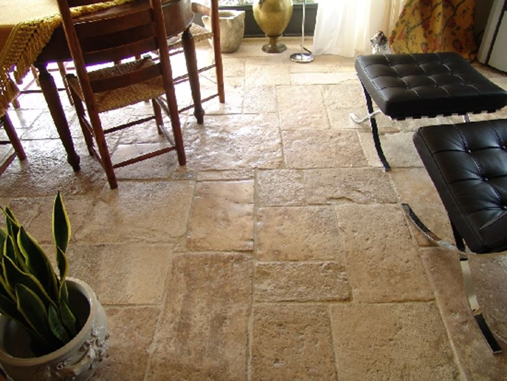 Pavimenti rustici per tavernetta: pavimento in cotto rosato toscano